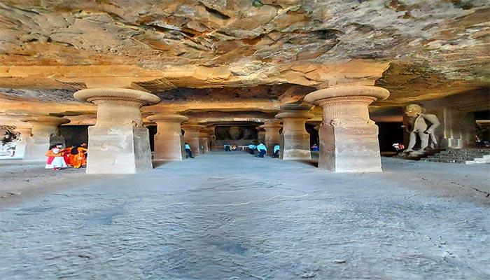 elephanta caves architecture
