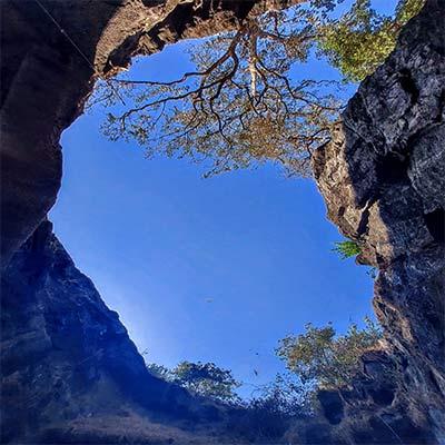 elephanta-caves scenery