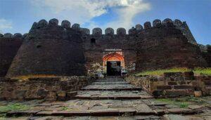 Daulatabad Fort- The Trekking that will amaze you!