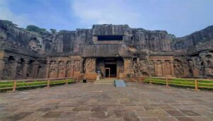 Ellora Caves- Lap to monuments of 3 religions